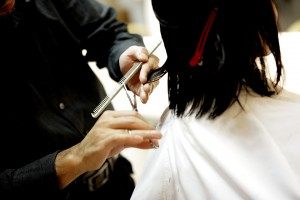 Enjoy the all new hair trends with Haircut On-Demand app