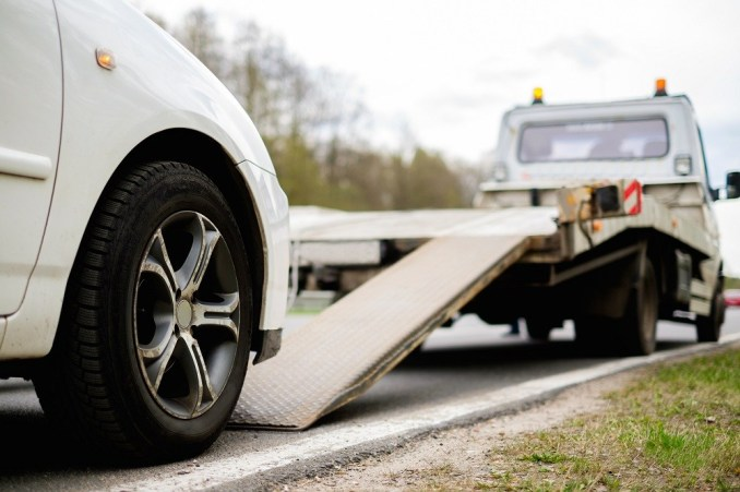 On demand automotive assistance app: Chill out, we are here to help you