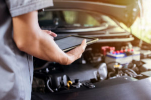 Features and points to consider to retain customers in Uber for mechanic app