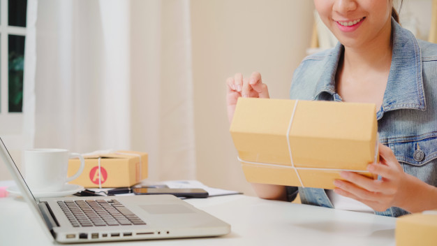 Perks of investing in On-demand courier delivery app