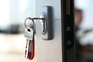 What are the duties and responsibilities of a Locksmith