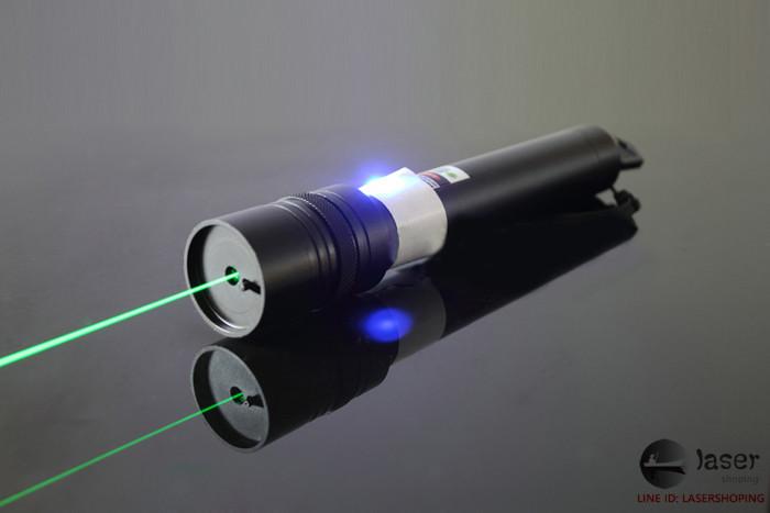 レーザーポインター おすすめレーザーペン 焦点調整可能 点火可能 ドット状照射 レーザーポインター 空 ...