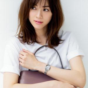 男女とも、どんな着こなしにも合う定番の3針モデルを選択 日本が誇る最高峰の時計として、世界中で高い ...